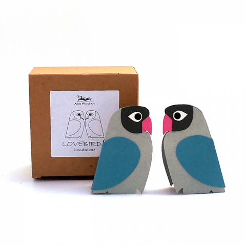 two blue paper lovebirds with gift box